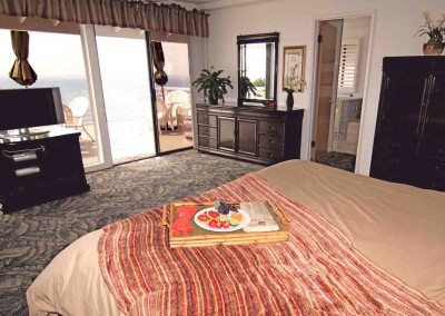 masterbedroom redspread