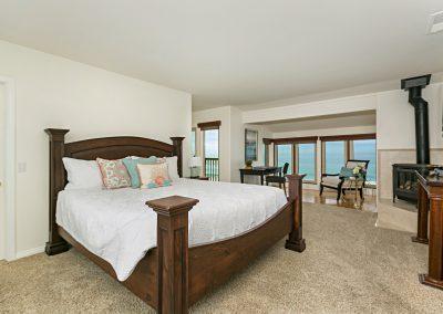 10-132 master bed and views