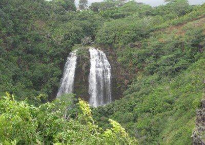 Hihimanu Waterfall