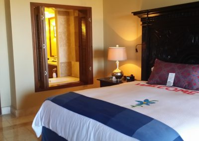 Cabo pres king bed to bath