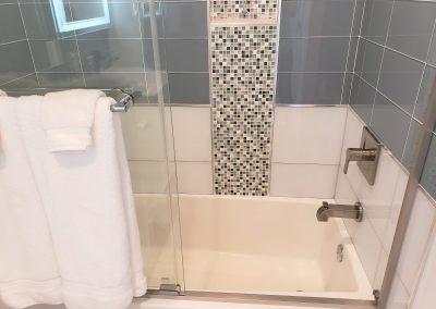 10 queen bathtub