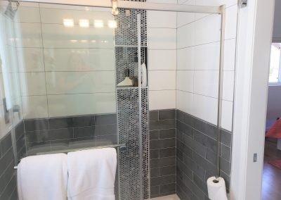 18 Master shower