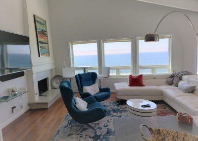 21 Living Room face TV